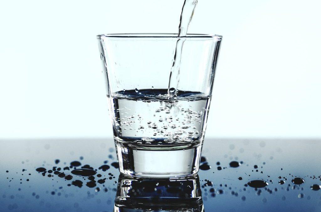 Proč hydratace pomáhá s hubnutím